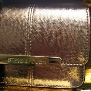 Steve Madden Bags - Steve Madden Accordion Wallet Key Fob Rose Gold